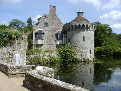 Holding an event at Scotney Castle   National Trust